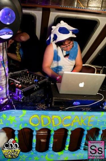 OddCake Presents - Voyage Into Dreamz A ThreeStory Boat Party FB Set 1_48
